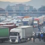 Si rimuovano i blocchi dei TIR nel rispetto delle leggi dello Stato